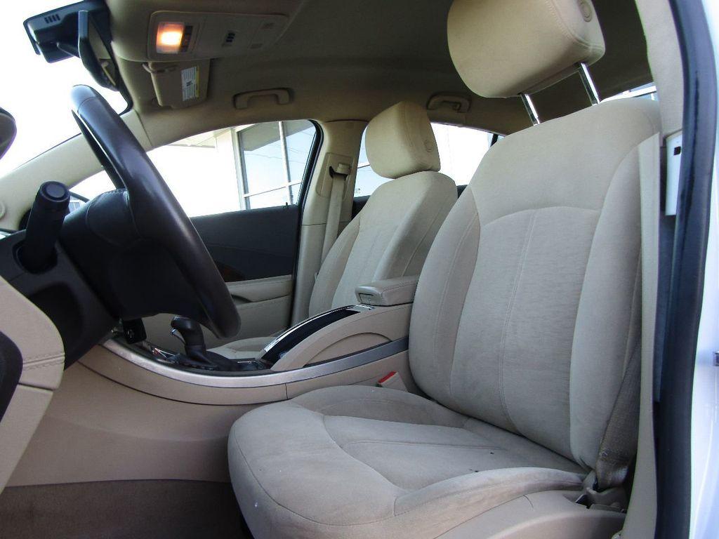 2011 Buick LaCrosse 4dr Sedan CX - 17576705 - 23