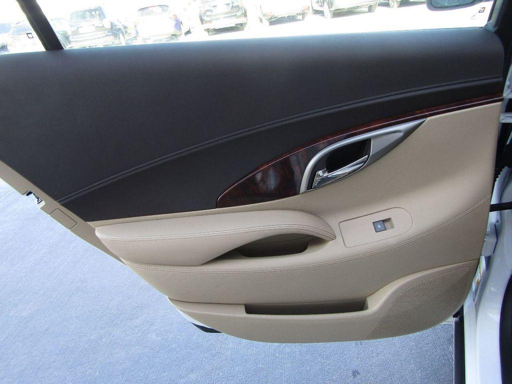 2011 Buick LaCrosse 4dr Sedan CX - 17576705 - 29