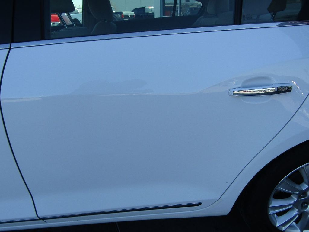 2011 Buick LaCrosse 4dr Sedan CX - 17576705 - 33