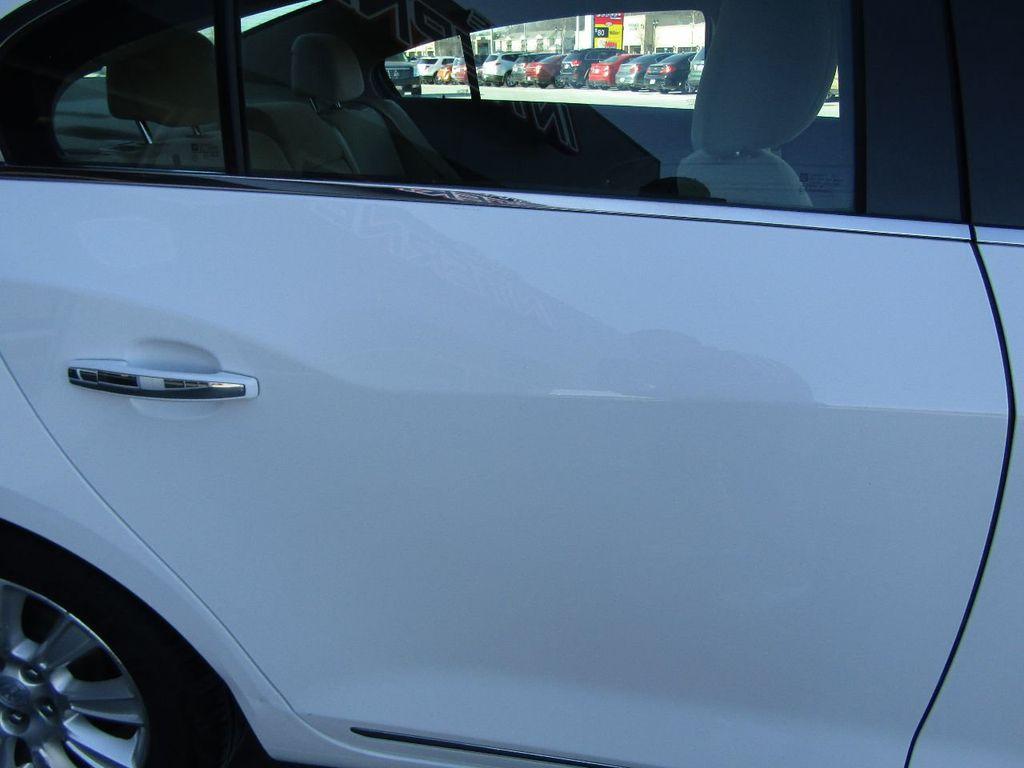 2011 Buick LaCrosse 4dr Sedan CX - 17576705 - 37