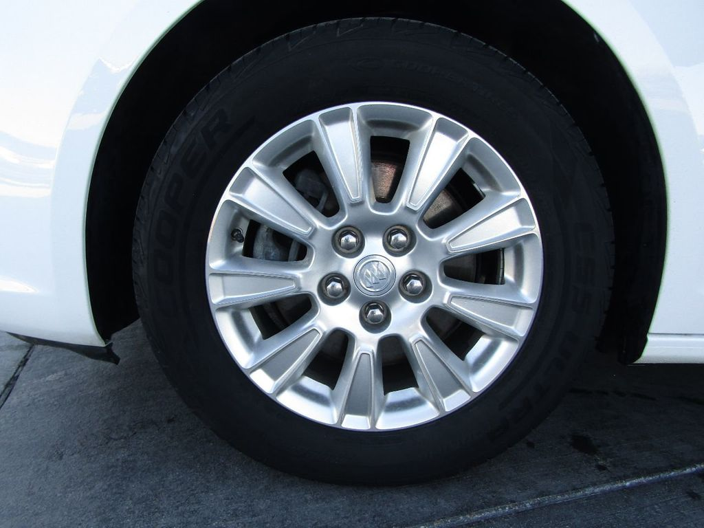 2011 Buick LaCrosse 4dr Sedan CX - 17576705 - 39