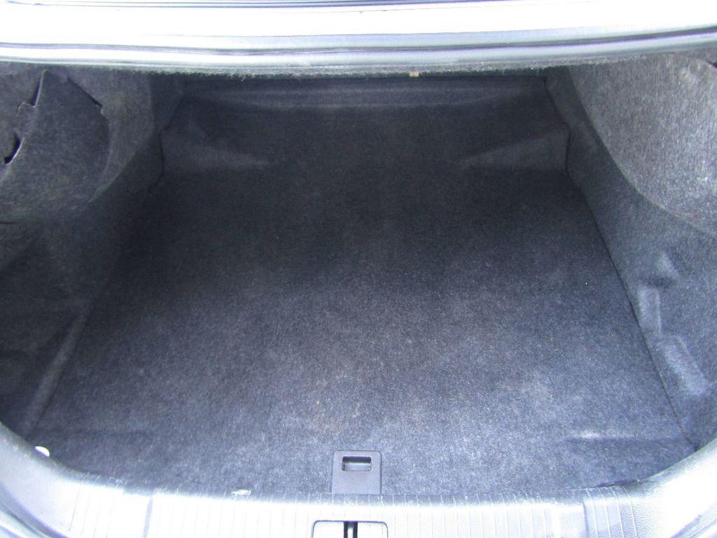 2011 Buick LaCrosse 4dr Sedan CX - 17576705 - 4