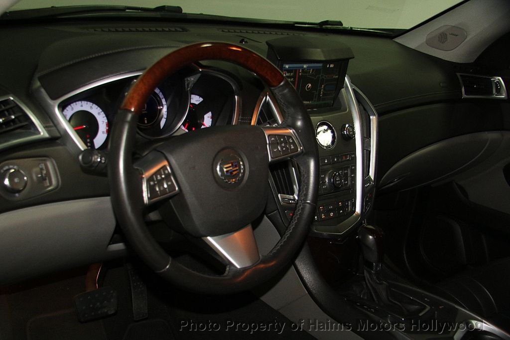 2011 Cadillac SRX FWD 4dr Premium Collection - 16876758 - 18