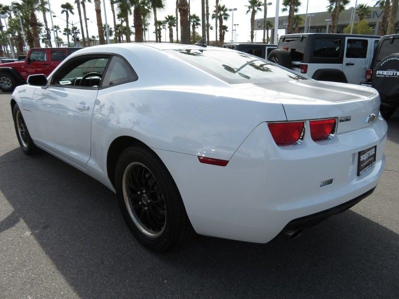2011 Chevrolet Camaro 2dr Coupe 2LS - 17260994 - 9
