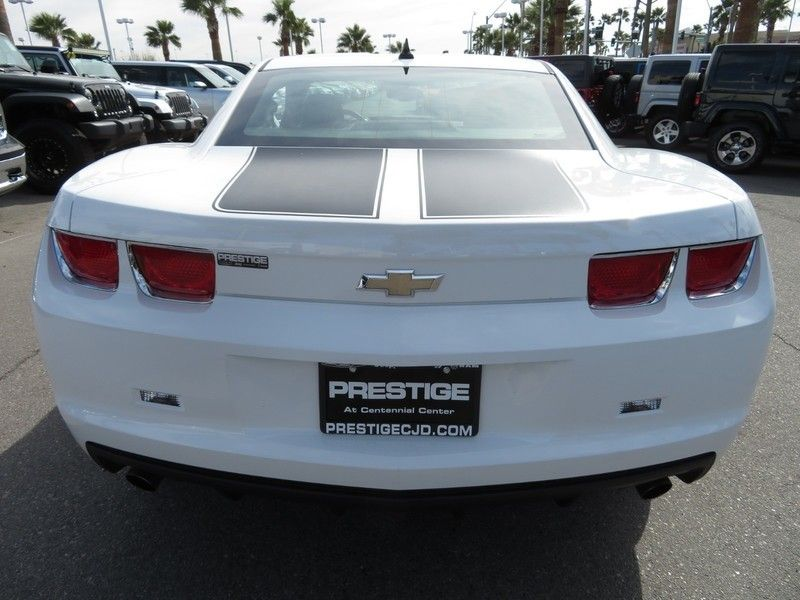 2011 Chevrolet Camaro 2dr Coupe 2LS - 17260994 - 10