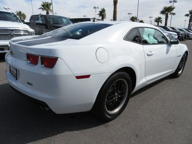 2011 Chevrolet Camaro 2dr Coupe 2LS - 17260994 - 11