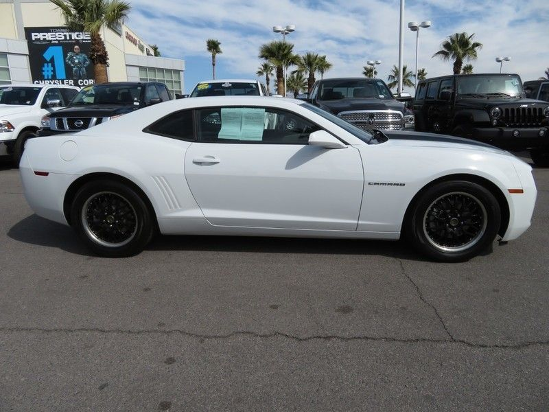 2011 Chevrolet Camaro 2dr Coupe 2LS - 17260994 - 3
