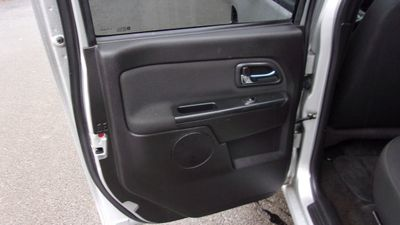 """2011 Chevrolet Colorado 4WD Crew Cab 126.0"""" LT w/1LT - Click to see full-size photo viewer"""