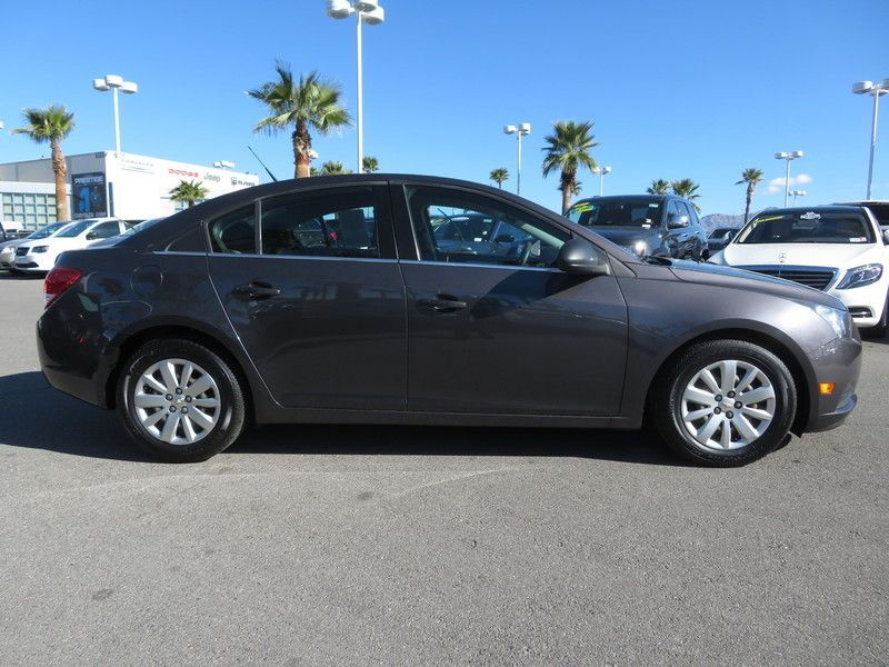 2011 Chevrolet CRUZE 4dr Sedan LS - 17407170 - 3
