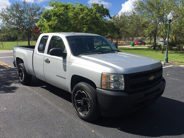 """2011 Chevrolet Silverado 1500 2WD Ext Cab 143.5"""" Work Truck - Click to see full-size photo viewer"""