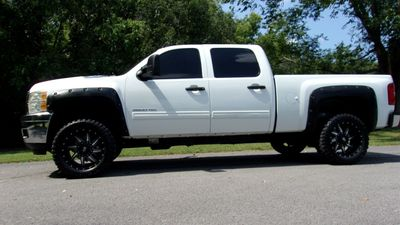 "2011 Chevrolet Silverado 2500HD 4WD Crew Cab 153.7"" LT - Click to see full-size photo viewer"