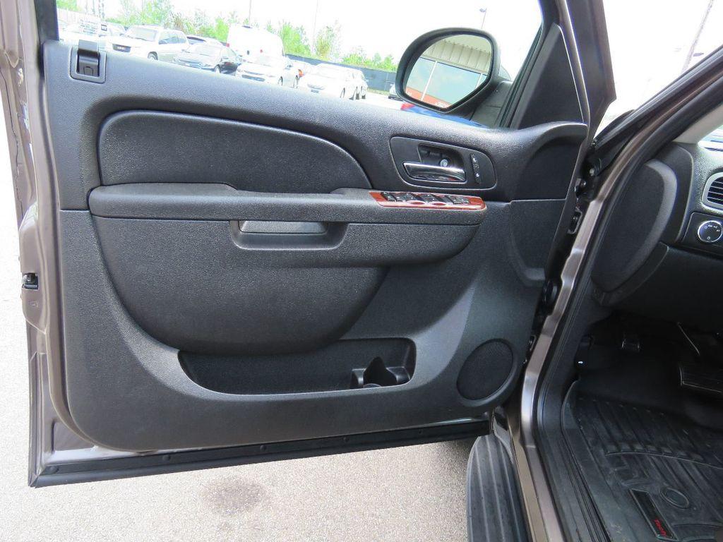 2011 Chevrolet Tahoe 2011 CHEVY TAHOE LT SUV FLEX FUEL 4WD - 17823115 - 17