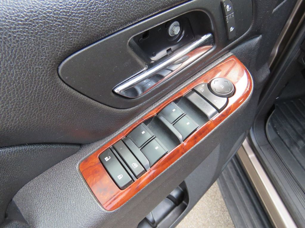 2011 Chevrolet Tahoe 2011 CHEVY TAHOE LT SUV FLEX FUEL 4WD - 17823115 - 18