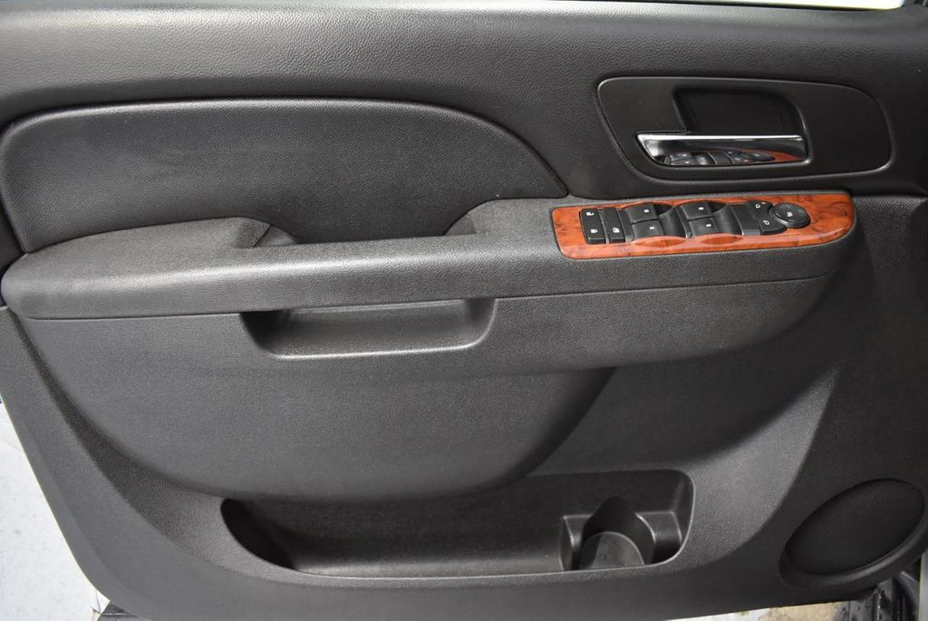2011 Chevrolet Tahoe 2WD 4dr 1500 LT - 18405191 - 12