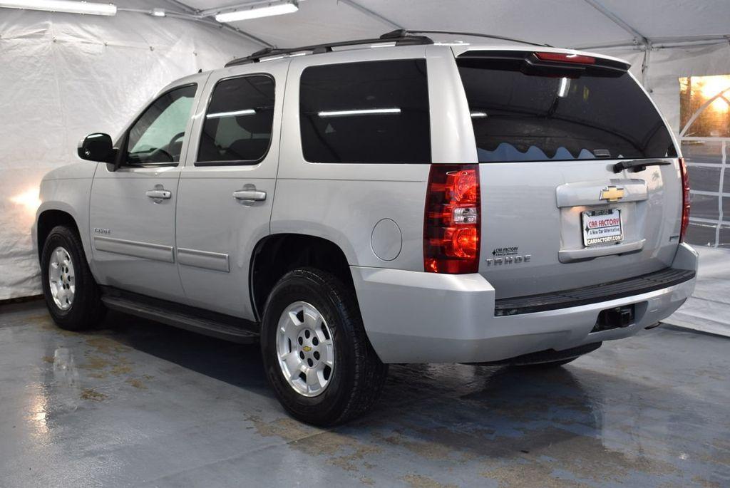 2011 Chevrolet Tahoe 2WD 4dr 1500 LT - 18405191 - 3