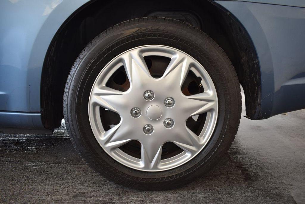 2011 Chrysler 200 4dr Sedan LX - 18037974 - 10