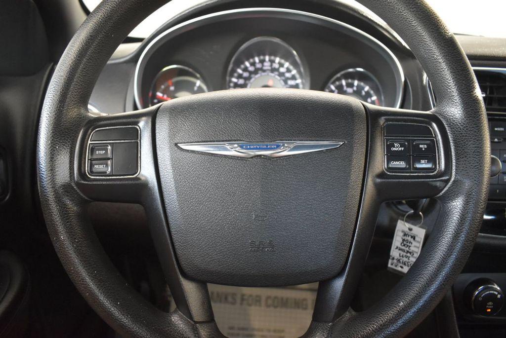 2011 Chrysler 200 4dr Sedan LX - 18037974 - 17