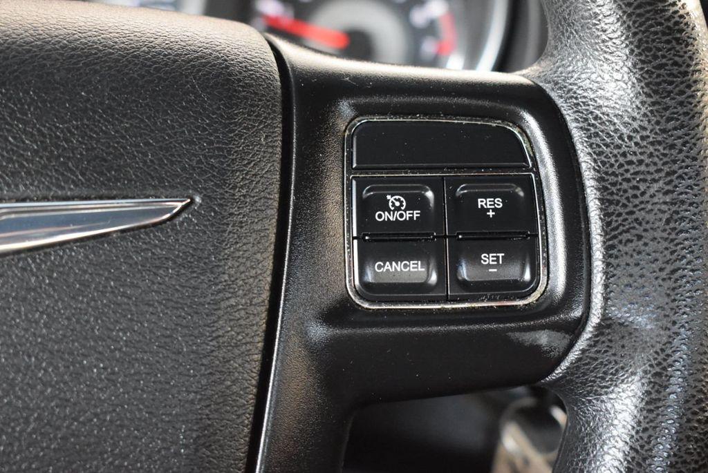 2011 Chrysler 200 4dr Sedan LX - 18037974 - 18
