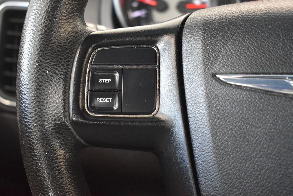 2011 Chrysler 200 4dr Sedan LX - 18037974 - 19