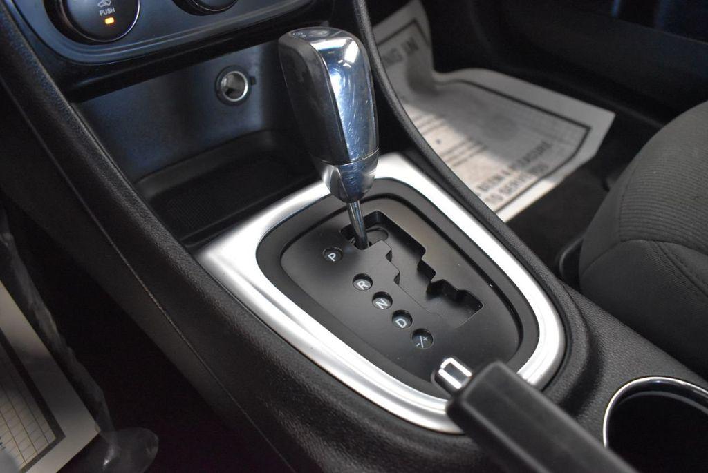 2011 Chrysler 200 4dr Sedan LX - 18037974 - 21