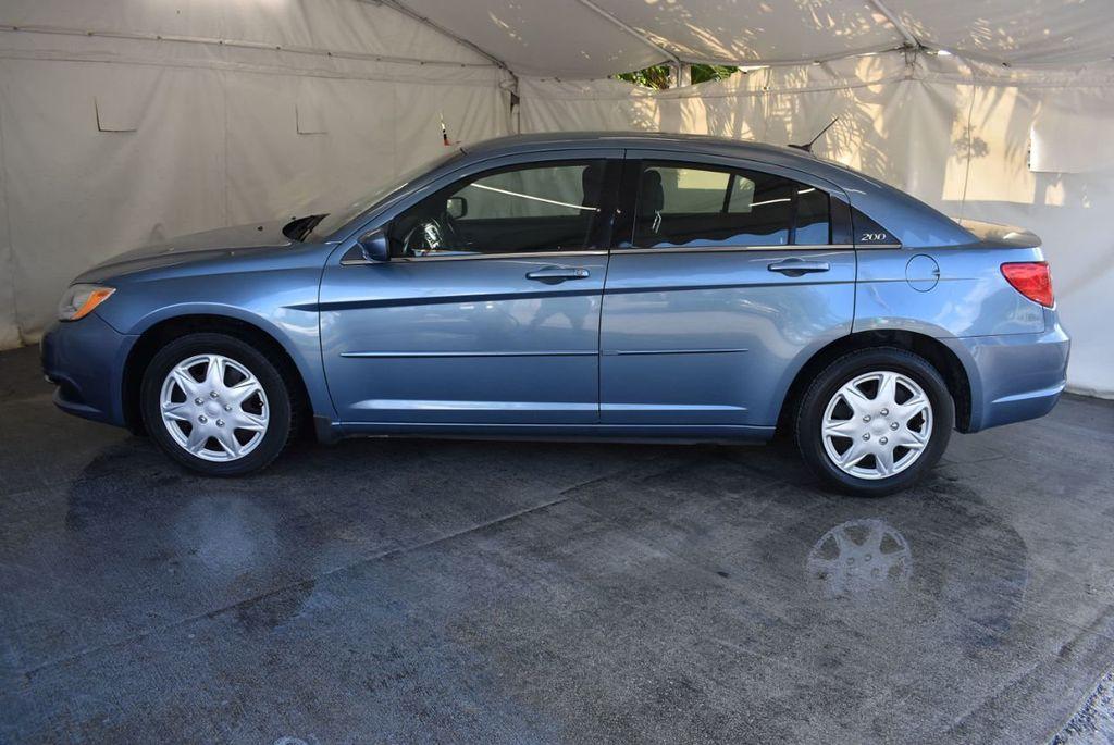 2011 Chrysler 200 4dr Sedan LX - 18037974 - 4