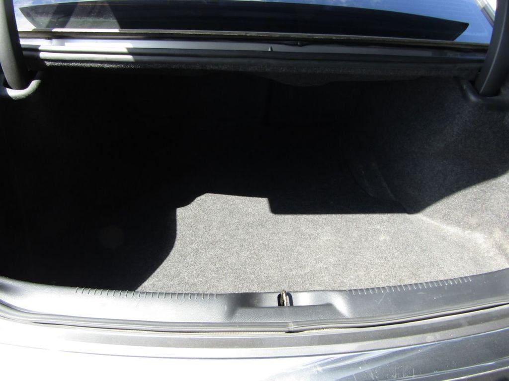 2011 Chrysler 300 4dr Sedan 300C AWD - 18089543 - 10