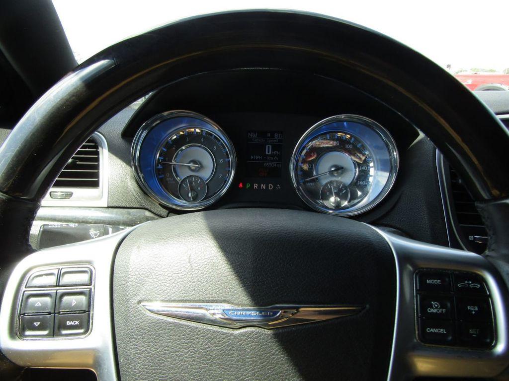 2011 Chrysler 300 4dr Sedan 300C AWD - 18089543 - 11