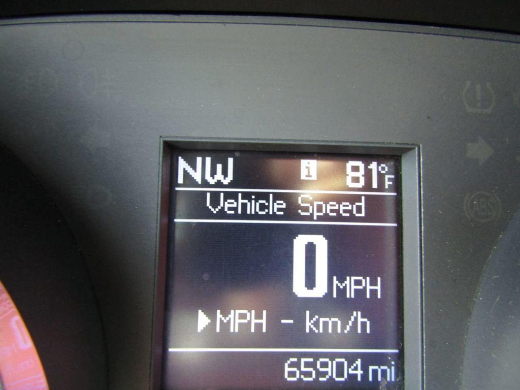 2011 Chrysler 300 4dr Sedan 300C AWD - 18089543 - 12