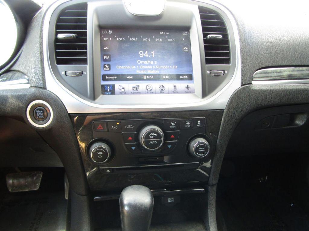 2011 Chrysler 300 4dr Sedan 300C AWD - 18089543 - 18