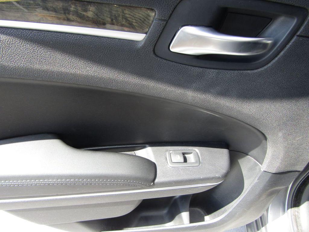 2011 Chrysler 300 4dr Sedan 300C AWD - 18089543 - 24