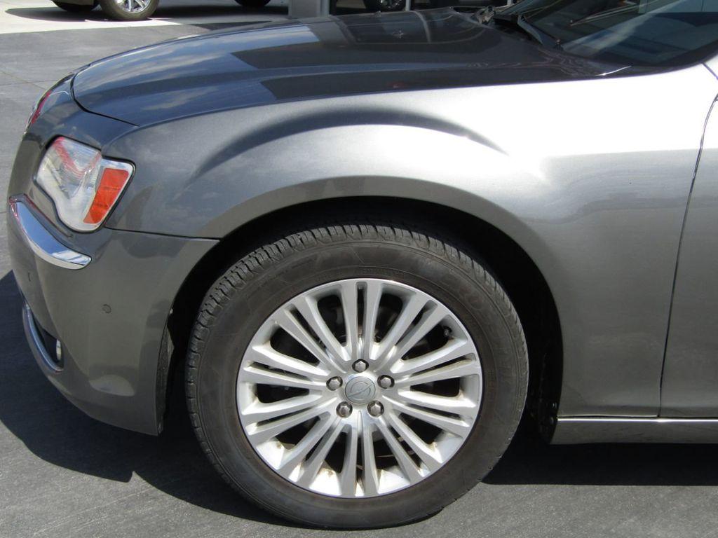 2011 Chrysler 300 4dr Sedan 300C AWD - 18089543 - 26