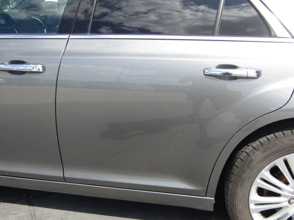 2011 Chrysler 300 4dr Sedan 300C AWD - 18089543 - 28