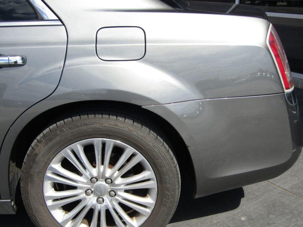 2011 Chrysler 300 4dr Sedan 300C AWD - 18089543 - 29