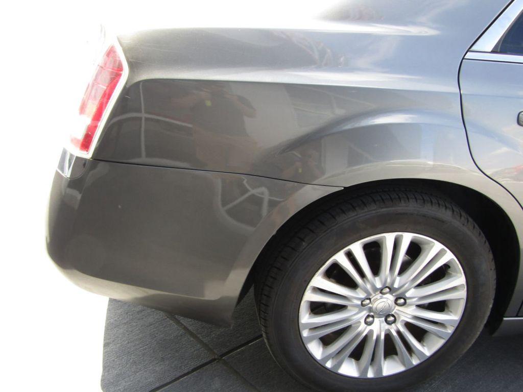 2011 Chrysler 300 4dr Sedan 300C AWD - 18089543 - 30