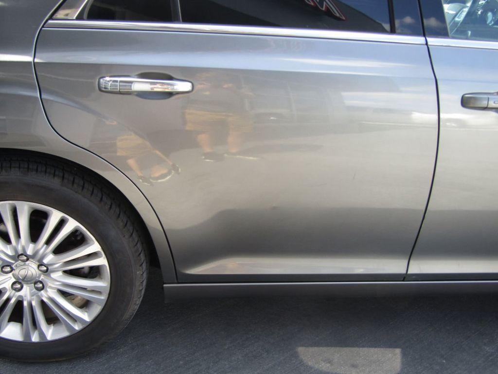 2011 Chrysler 300 4dr Sedan 300C AWD - 18089543 - 31