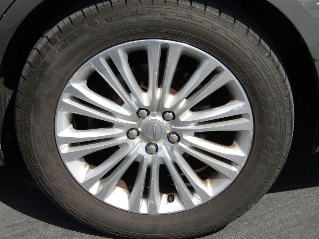 2011 Chrysler 300 4dr Sedan 300C AWD - 18089543 - 36