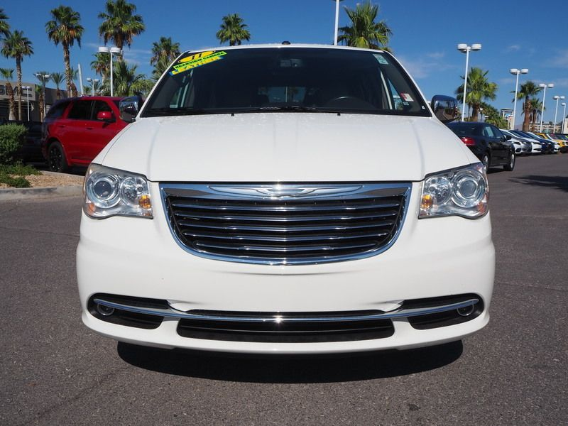 2011 Chrysler Town & Country 4dr Wagon Limited - 17749452 - 1