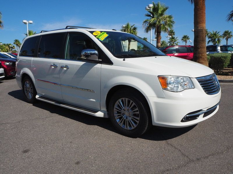 2011 Chrysler Town & Country 4dr Wagon Limited - 17749452 - 2