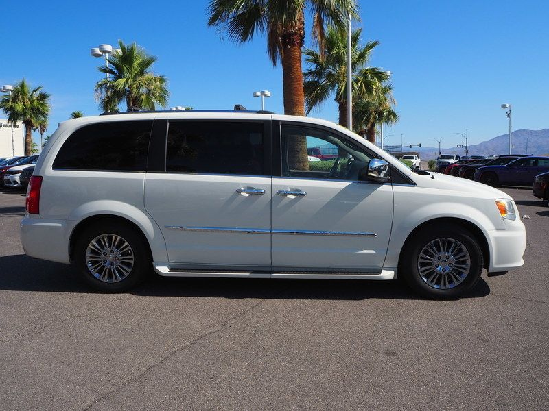 2011 Chrysler Town & Country 4dr Wagon Limited - 17749452 - 3