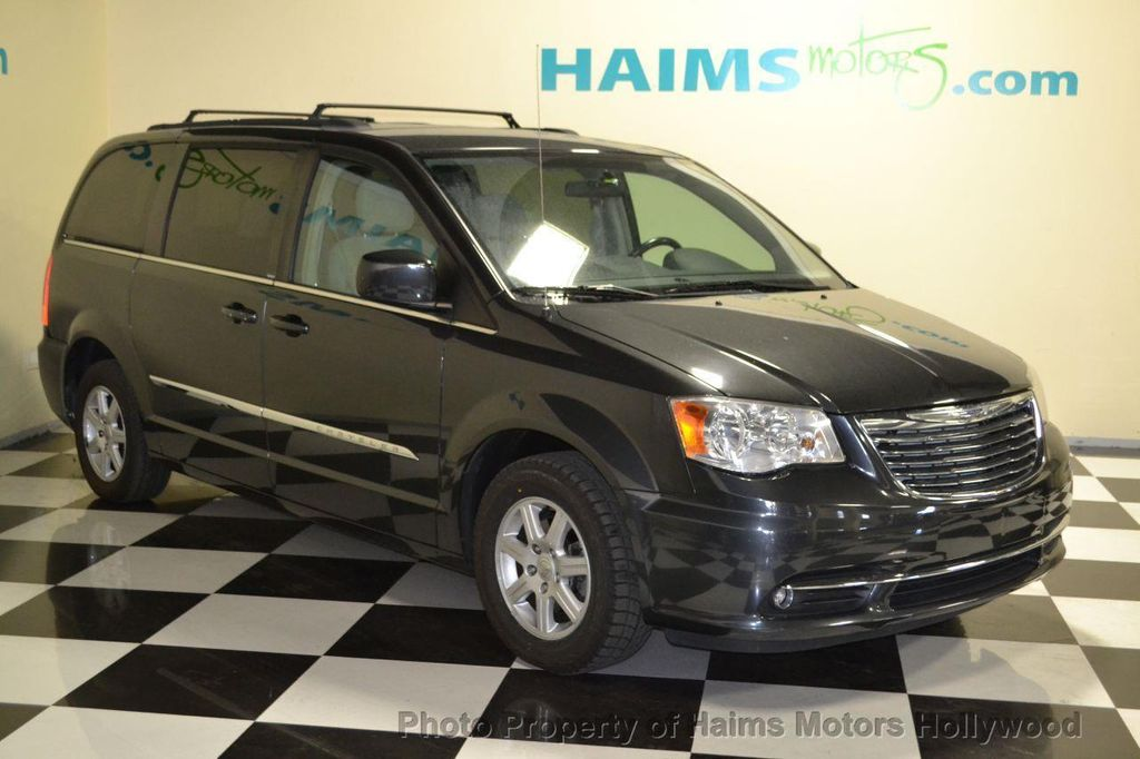 2011 used chrysler town country 4dr wagon touring at haims motors serving fort lauderdale. Black Bedroom Furniture Sets. Home Design Ideas