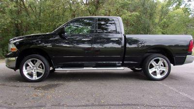 2011 Dodge Ram 1500 QUAD CAB 4WD SLT Truck