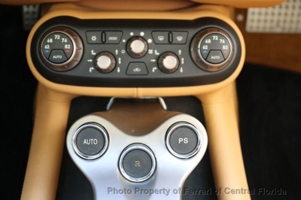 2011 Ferrari California 2dr Convertible - 18669550 - 30