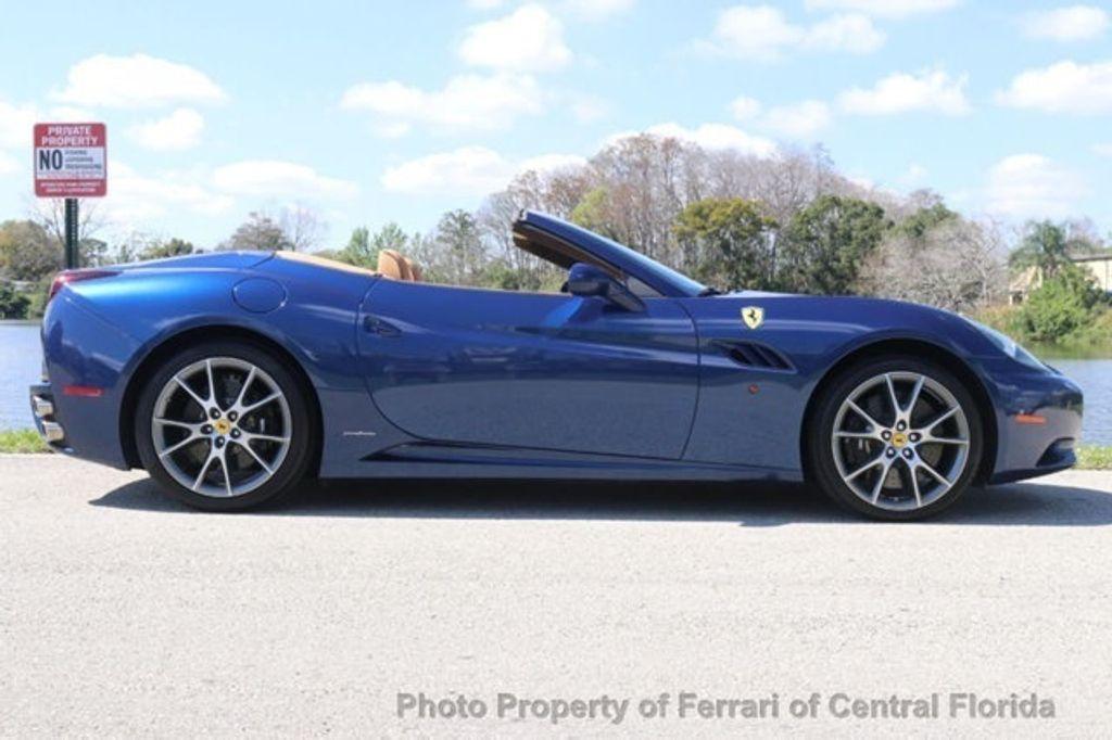 2011 Ferrari California 2dr Convertible - 18669550 - 8