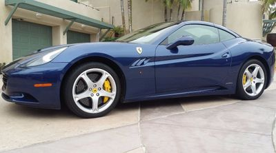 2011 Ferrari California Roadster  - Click to see full-size photo viewer