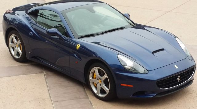 2011 Ferrari California Roadster  - 15789615 - 2