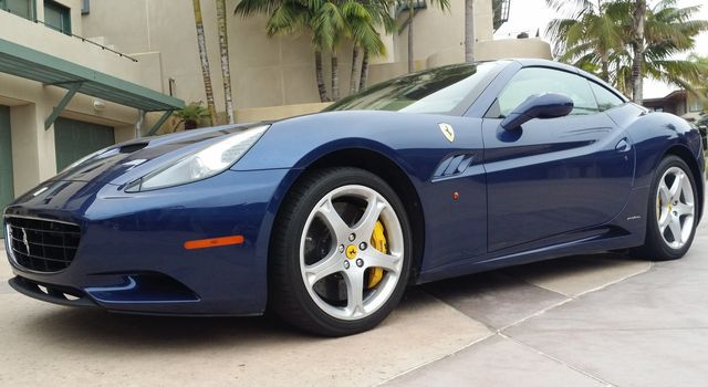2011 Ferrari California Roadster  - 15789615 - 3