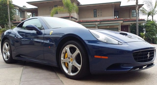 2011 Ferrari California Roadster  - 15789615 - 4