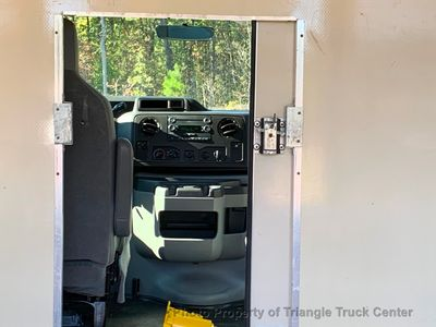 2011 Ford E350HD SRW CUBE VAN JUST 7k MILES ONE OWNER PERFECT FOR CONTRACTOR!! HVAC PLUMBER!! - Click to see full-size photo viewer