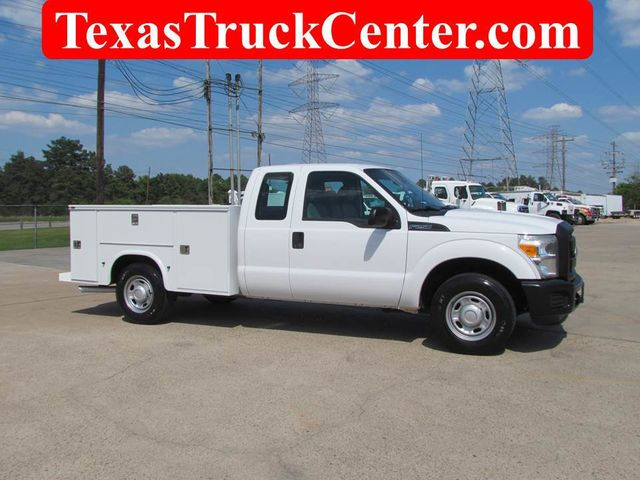 2011 Ford F250 Utility-Service 4x2 - 15577155 - 0