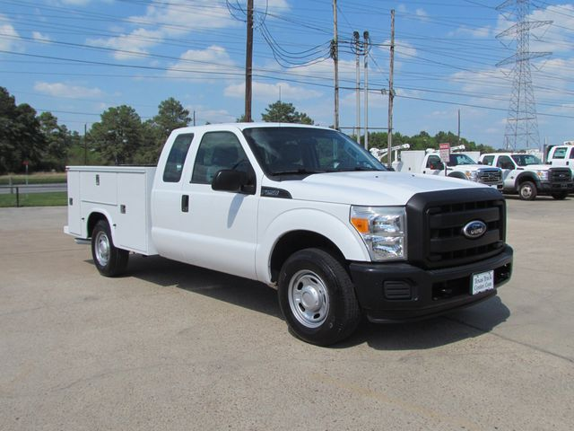 2011 Ford F250 Utility-Service 4x2 - 15577155 - 1